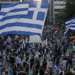 Greek No voters gather at Syntagma as first results suggest victory for anti-austerity camp http://t.co/fcsWA4PkAs http://t.co/xGG3x6mZgG