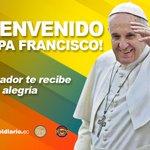 Faltan pocos minutos para que el papa Francisco pise suelo ecuatoriano #FranciscoenEcuador http://t.co/XDDK8WENTd