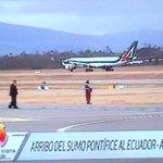 14h44: El vuelo AZ4000 de Alitalia llega a #Quito. http://t.co/Ryyv4cwZbu