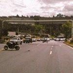 Atención cerrada la Simón Bolívar desde Loma de Puengasí hasta autopista Rumiñahui por llegada de @Pontifex_es http://t.co/1Ne92onKca