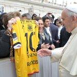 Bienvenido a #Ecuador Nuestra Santidad @Pontifex_es #FranciscoenEcuador http://t.co/vL6u7secPf