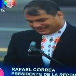 Ahora. Pdte. @MashiRafael da la bienvenida al #PapaFrancisco http://t.co/RDmFjaB4nY