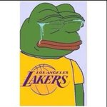 Lakers fans yesterday vs Lakers fans today http://t.co/YLyX4HG0Su