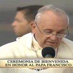 """""""En el evangelio podemos encontrar las claves que nos permite afrontar los desafíos actuales"""". #ElPapaEcuavisaYyo http://t.co/agUPXfkmZ6"""