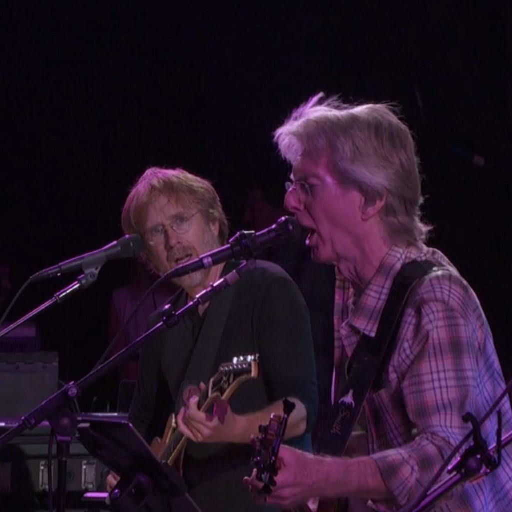 The look on Trey's face when Phil sang Hunter's extra verse from FOTD...  #GD50 (via /r/gratefuldead) http://t.co/atBGoZsikl
