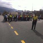 RT @Adri_Maye: Policías y ciudadanos escuchando el discurso del #PapaFrancisco http://t.co/G7zXycvWqO