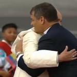 """""""Le agradezco Presidente por sus palabras, le agradezco su consonancia con mi pensamiento"""" #FranciscoenEc http://t.co/UVkXUNhVcB"""