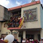 Miles de fieles acompañan al Cristo del Consuelo en ambiente de fiesta. Vía @cesarvelastegui #ElPapaEcuavisaYyo http://t.co/ovSk27j7MX