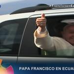 Papa Francisco se dirige a la Nunciatura Apostólica en #Quito #FranciscoenEC http://t.co/FDntotj8Y8