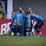 [CRÔNICA] Grêmio faz 3 a 1 no Santos e vence na Vila Belmiro http://t.co/dFcJlZE7Ii http://t.co/tTfuSfpDgu