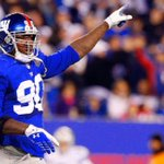 Giants DE Jason Pierre-Paul hospitalized after injuring his hands during a fireworks accident: http://t.co/l82qB7Onem http://t.co/R5pScYiWbL