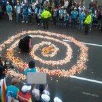 Al paso de @Pontifex_es por sede #CONAIE #Ecuador se hizo el Churo en la av.Granados #DespojodeNuestrosTerritoriosNo http://t.co/roCjD6oAxT
