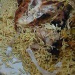 صورة ???? مواطن يعثر على جلد ثعبان في وجبة بأحد المطاعم الشهيرة في #بيشة . #السعودية - http://t.co/eYB5cG4W1F