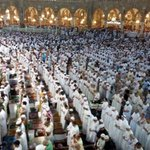 نقل 14 مليون مصلٍ ومعتمر بالحرم خلال 16 يوماً من #رمضان، والخطة تستهدف نقل 25 مليون شخص خلال باقي الشهر. (واس) http://t.co/QfCC86eKxV
