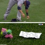 VIDEO: Brewers' Carlos Gomez leaves a note & gum for Reds' Billy Hamilton in outfield http://t.co/M6cFZsWMRA http://t.co/61msPPphka