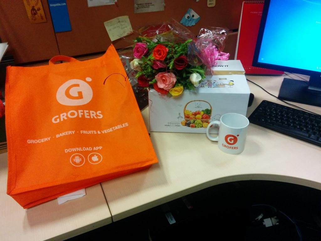 . @Grofers experience - on time delivery, surprise flowers and a Grofers cup as a gift along with the cake ordered. http://t.co/PR6pXeCskM