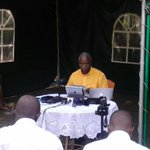 Bringing you @AmamaMbabazis press conference live from Kololo #AskAmama http://t.co/UABRQ1kkRH