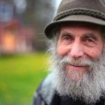 Reclusive hippie beekeeper behind Burts Bees dies at 80 http://t.co/6dPkJPRswc http://t.co/r6CW930vX8