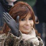 #ギリシャ の国民投票結果を受け、2002年に債務危機を経験した #アルゼンチン のフェルナンデス大統領(写真)はツイッターに「民主主義と国家の尊厳にとって目を見張るべき勝利」と投稿 http://t.co/FU7wKvt9NV http://t.co/gpC3LA6pHT