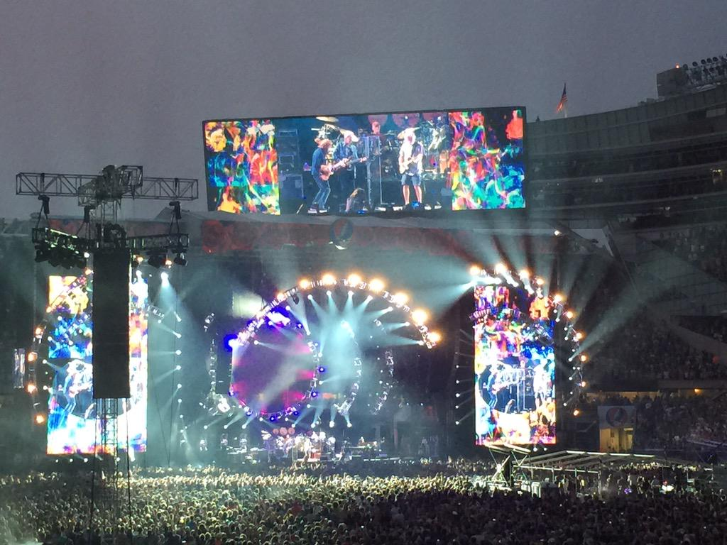 Center of the world tonight. #dead50 #FTW2015 http://t.co/Gtwul3PMOg
