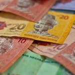Domestic corruption allegations & Greece take a double hit on Malaysias ringgit: http://t.co/0XEB0wkzUJ #fx http://t.co/JvRlKLLfsg