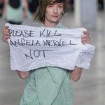 【ファッションおたく】「独首相を殺して」パリコレ騒然 モデルのメッセージはギリシャ危機対応への抗議? - 産経ニュース http://t.co/336uD4SQRv @Sankei_newsさんから http://t.co/fWRKUnPD6h