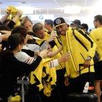 【ついに来日!】 川崎戦に向けドルトムントが来日…空港には約300人のファンが集結 http://t.co/xQy81Ns0Vt ドルトムント(@BVB )が日本に上陸しました。 http://t.co/N2em8grB4E