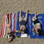 スライドショー:欧州で記録的な猛暑 http://t.co/vDgENmkIZJ http://t.co/xNsPrfidee