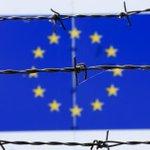 欧州大陸の周縁で現在起きている4つの大きな危機がEUを飲み込む恐れがある ──焦点:EU悩ます「4重苦」、#ギリシャ危機 ですべて悪化も http://t.co/0EdHQNRK2s http://t.co/rURn1wphPs