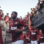 Just one week to go until we fly out to the States for #MUtour... http://t.co/TjGREH9Bdo
