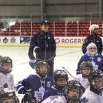 #Leafs coach Mike Babcock is on the ice helping the Maple Leafs Hockey School presented by Rogers today. #TMLtalk http://t.co/FUSNgktQXN