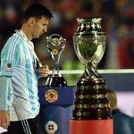 [#Decla] Messi: « Je préfère gagner des titres avec mon équipe que de gagner des récompenses individuelles. » http://t.co/meiV5dWTlw