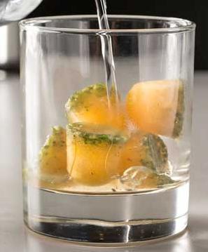 Cubitos de citricos para paliar la sequedad de la boca, una receta creada para la @aecc_es https://t.co/391aIZkx3k http://t.co/kEQEazh1Pn
