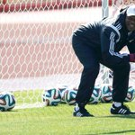 Nigeria sack coach Keshi for lack of commitment http://t.co/2sCk38VNuo http://t.co/J9fHXp9ZVt