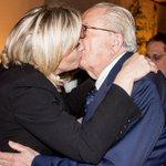 Bonne Journée internationale du baiser à tous. http://t.co/5ah32RMUi9
