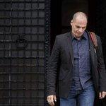 Ministro das Finanças da Grécia renuncia ao cargo após vitória do não. http://t.co/f62kycWCFJ http://t.co/DN8USlvWZE
