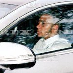 And heres one of @Memphis arriving at training earlier, looking very smart. (via @MattMc_7) #mufc http://t.co/OkiCY64ieX