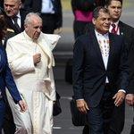 Francisco instó a ecuatorianos a fomentar el diálogo sin exclusiones #Últimahora http://t.co/GgWLKeEcXX  http://t.co/06m8lPvCmL