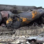 2 ans après Lac-Mégantic, le transport de pétrole par train a triplé. Et la sécurité? Réponse: http://t.co/tJ5sa2PF3Z http://t.co/eJ5sKZc4eo