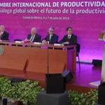 #ENVIVO/ El Pdte. @EPN refrenda su compromiso por elevar y democratizar la productividad http://t.co/hCFx4MH9vh http://t.co/NXCB7UNEGI