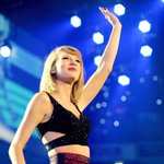 The @taylorswift13 show in Ottawa show is sold out tonight — but tix may be released http://t.co/1AnuY64sIT #ottarts http://t.co/7bF6sGYnYN