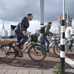 Nieuw fietsplan voor #Rotterdam. Dertig actiepunten om fietsen te stimuleren. Meer info: http://t.co/j8hAqWkkfx http://t.co/fjhMuuEW7K