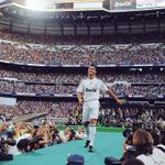 Un día como hoy hace 6 años, Más de 80,000 personas veían en el Santiago Bernabéu el fichaje de Cristiano Ronaldo. http://t.co/cs6n9r8oHP
