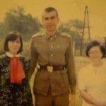 Саакашвили на срочной службе в Закарпатье, 1986 г. http://t.co/zUgg1luGc5