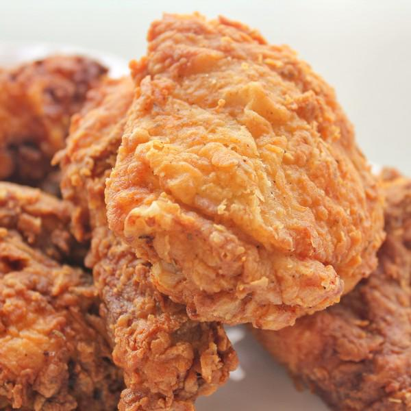 Indulge - it's #NationalFriedChickenDay http://t.co/CzNr1riFaf #RecipeoftheWeek http://t.co/akQtzpCV8N