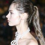 Les trois coiffures idéales pour la plage http://t.co/19YZLVrT7I http://t.co/JNhRplh2sF