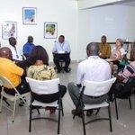 Séance de formation avec les chauffeurs de taxis touristiques de Port-au-Prince #Tourisme #Haiti http://t.co/aEhUgz6eHG
