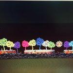 Esta será la escenografía de la plaza el 19 de Julio, según reportó Rosario Murillo. Arbolatas de colores http://t.co/MZCDAotZhN