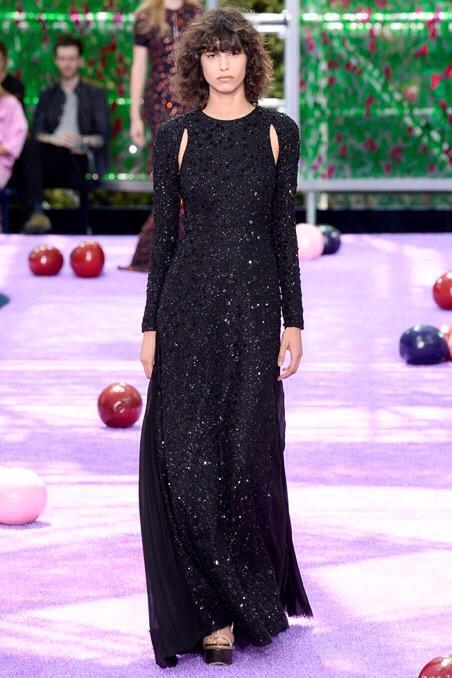 Dilara Yılmaz (@DilaraYlmz): Hadi yine gel benim ol! #Dior #DiorCouture http://t.co/V52cqspTYk