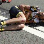En dan toch de etappe uitrijden. @laurenstendam is een held???? #TDF2015 Respect! http://t.co/p1WTUBFurJ